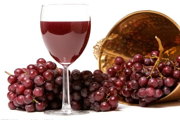Ev yapımı Lidia Şarap